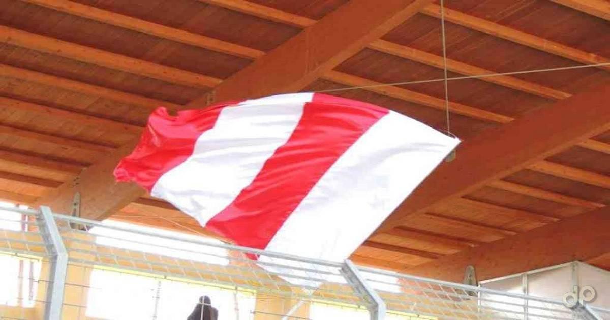 Bandiera Avetrana biancorossa