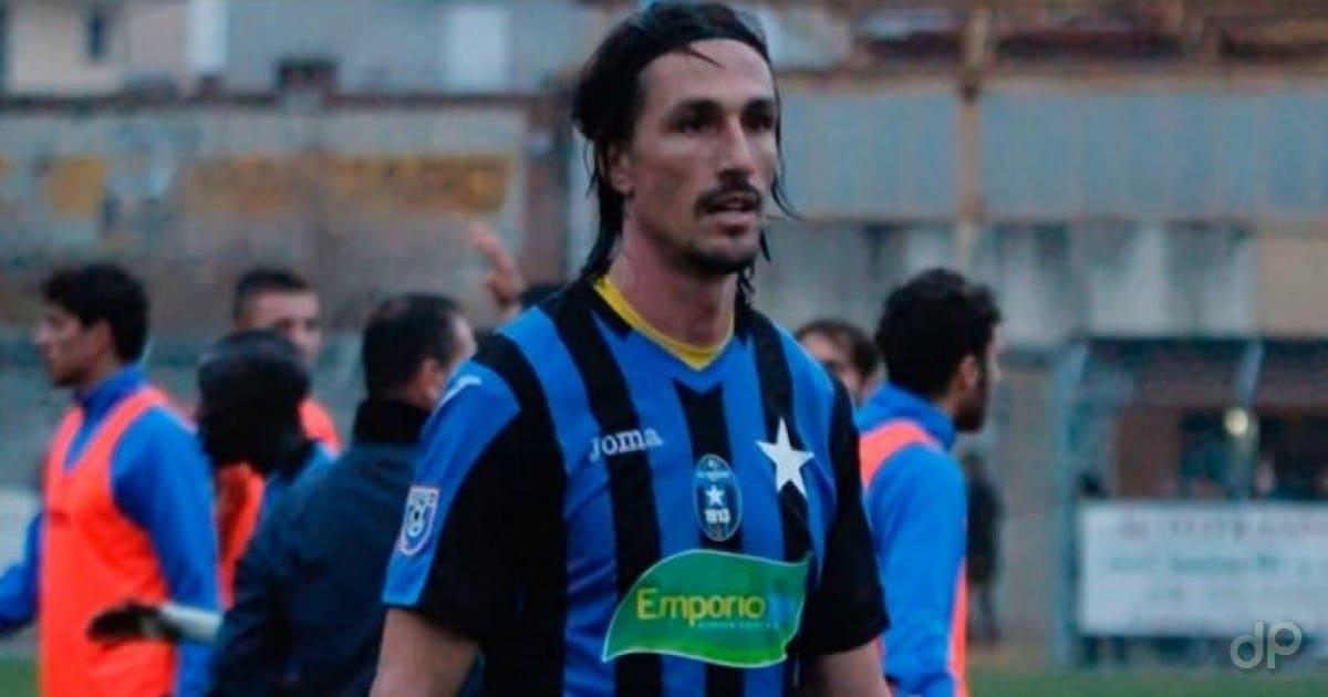 Claudio Miale con la maglia del Bisceglie