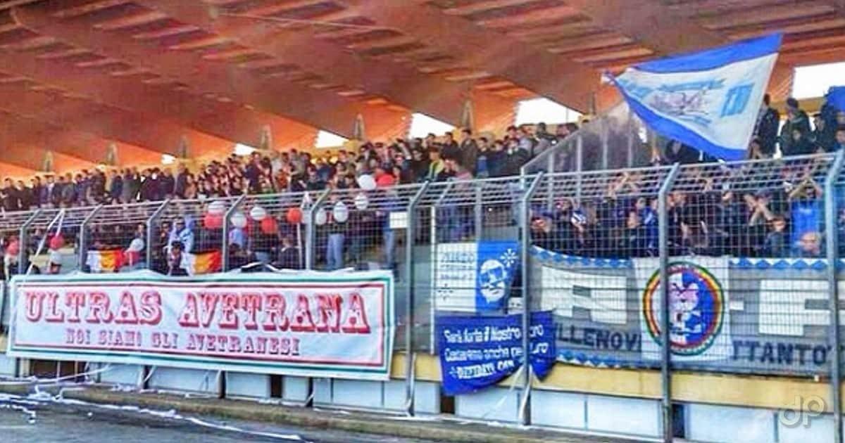 Un gruppo di tifosi dell'Avetrana
