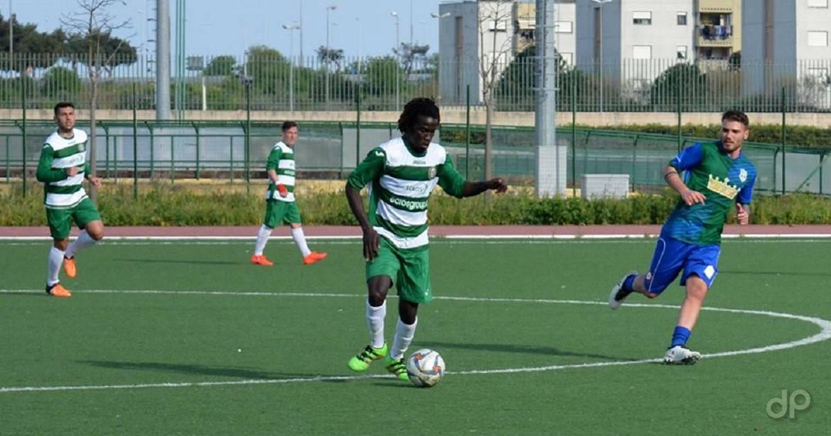 Ababacar Diagne con la maglia dell'Omina Bitonto 2017