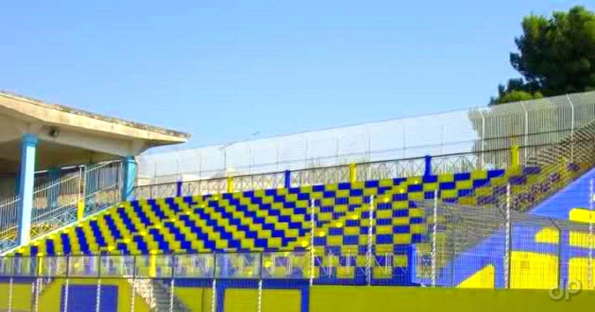 Stadio Cerignola gradinata gialloblù