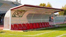 Panchina calcio seggiolini rossi