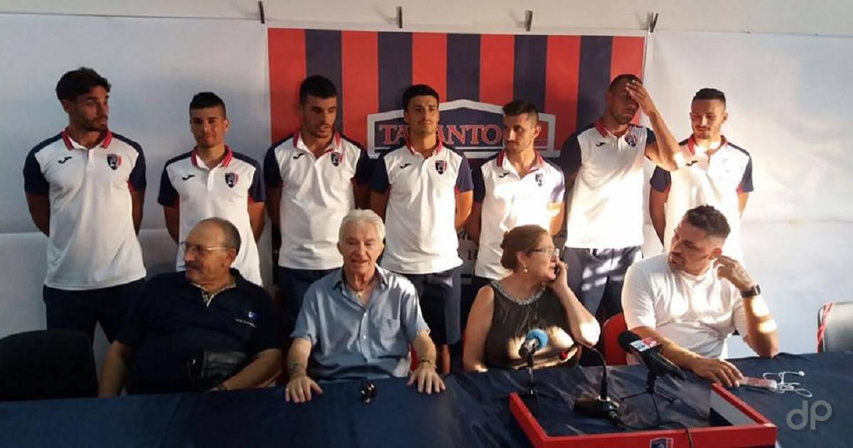 Scoppetta, Cacciola, Palumbo, Di Lollo, Crucitti, Aleksic e Milizia al Taranto 2017