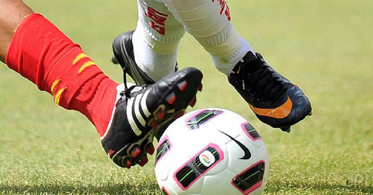 Dettaglio pallone Serie A calciato