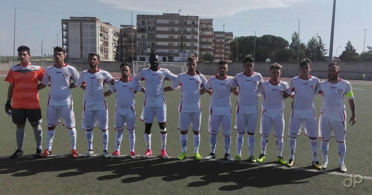 La formazione dello Sporting Fulgor Molfetta in campo contro il Pomigliano 2017