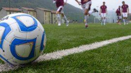 Primo piano di un pallone da calcio durante un allenamento