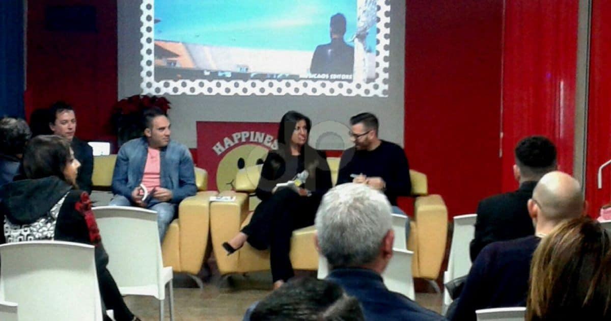 Raffaele Pappadà presenta il libro Senza Rserve