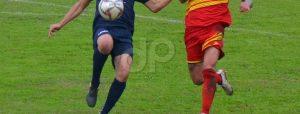 Giocatori pallone Lnd maglie blu rossa