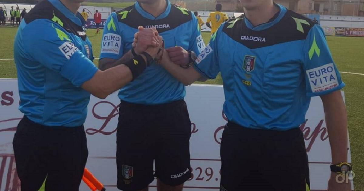 Arbitri maglia azzurra 2019