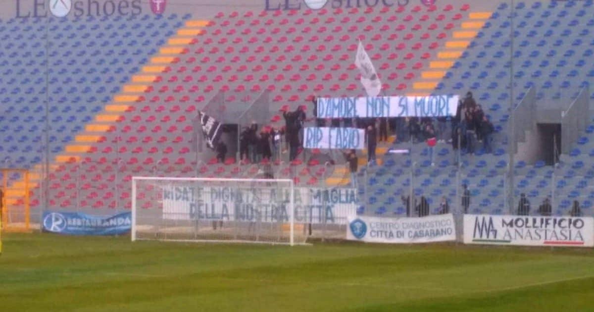Striscione tifosi Fidelis Andria 2020