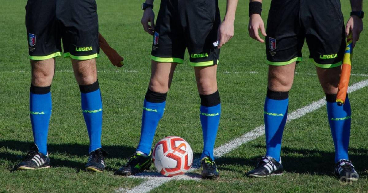 Terna arbitri calzettoni blu 2020